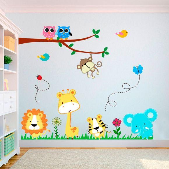 Esta es una imagen con un ejemplo de graffiti infantil o juvenil realizado en una habitación en Madrid