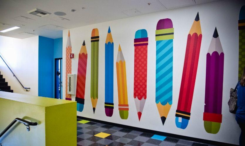 Con esta foto mostramos a los usuarios un ejemplo de graffiti infantil realizado en un colegio de valencia