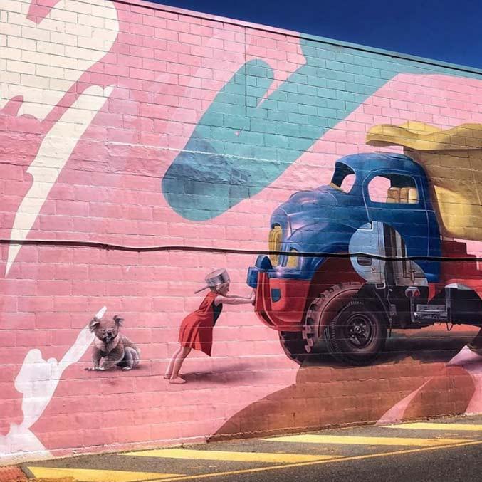 esta imagen es un ejmplo de los trabajos que puedn realizar nuestros muralistas profesiones en fachadas deterioradas